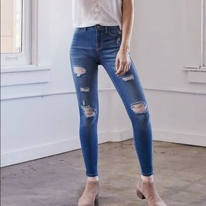 Kendall & Kylie distressed moto ankle jean